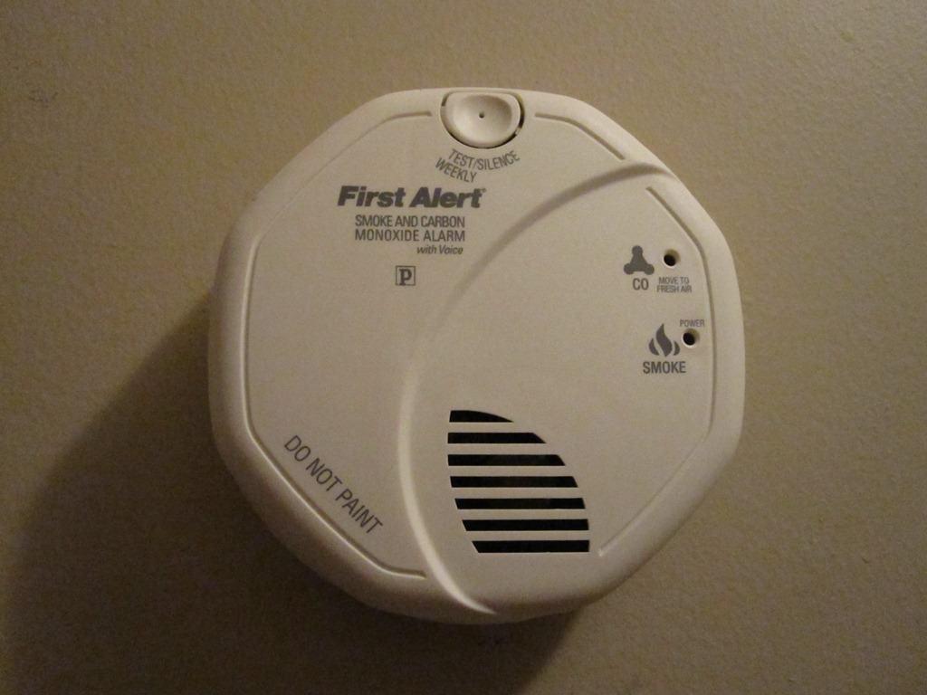img4473 - First Alert Smoke Alarm