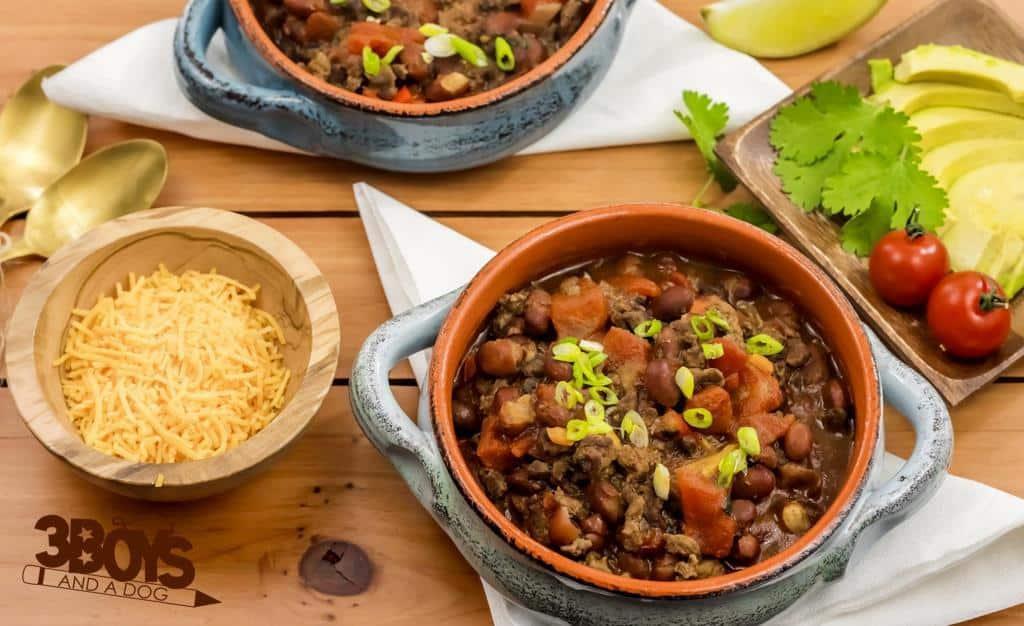 Super Simple Saucy Beef Chili Recipe