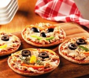 Tuna Individual Pizza Recipe (StarKist Kids)