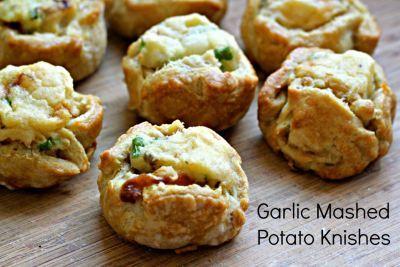Garlic mashed potato knishes