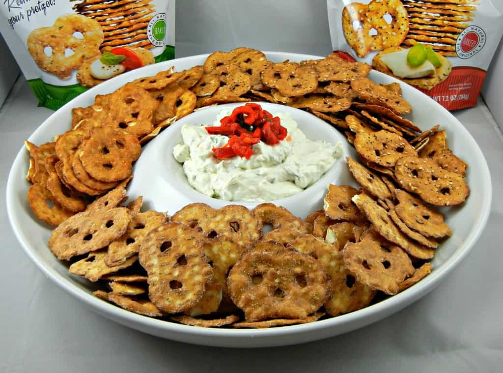 #GameDay #Dip Roasted Garlic Cheese Dip. Eat with Pretzel Crisps! Recipe at Southern Mom Cooks #UltimateTailgatingParty