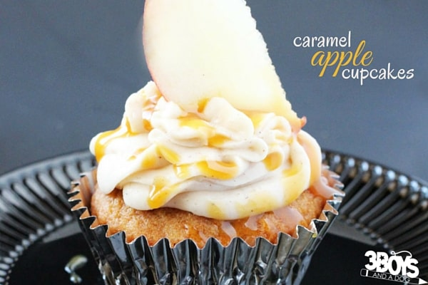 What is better than a caramel cupcake recipe or an apple cupcake recipe? This amazing caramel apple cupcake recipe with cinnamon cream cheese frosting and caramel drizzle - oh, and topped with a slice of apple. Amazing.