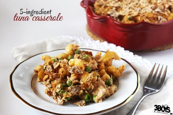 Tuna Casserole 5-ingredient Recipe, a delicious way to ensure that your family gets some healthy seafood into their diets. An easy healthy meal for busy moms.