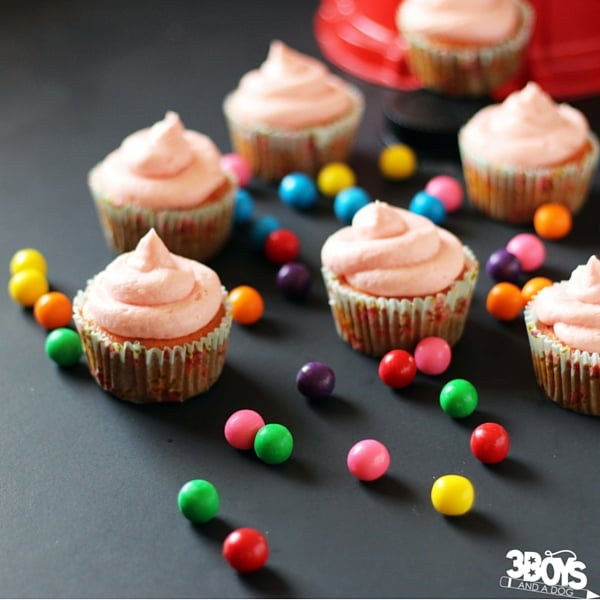 Bubblegum Cupcakes - a fun candy-inspired cupcake perfect for serving at a kids' birthday party. A raspberry-vanilla cupcakes kids and adults will love