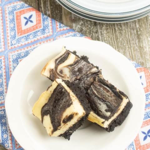 brownie cheesecake swirl squares