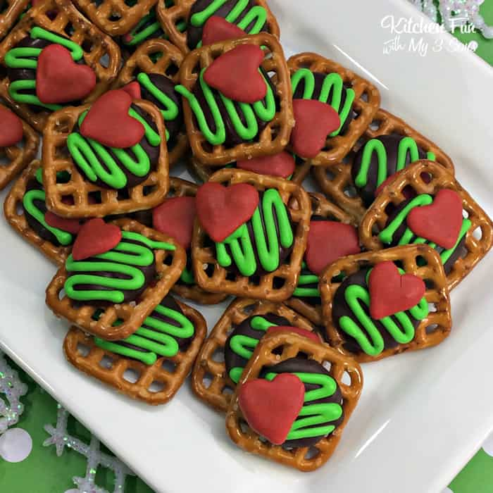 The Grinch Pretzels