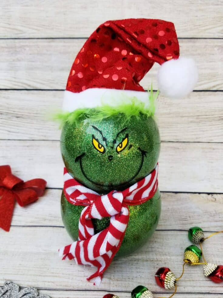Grinch Decorations: Cute and Using Dollar Store Supplies!