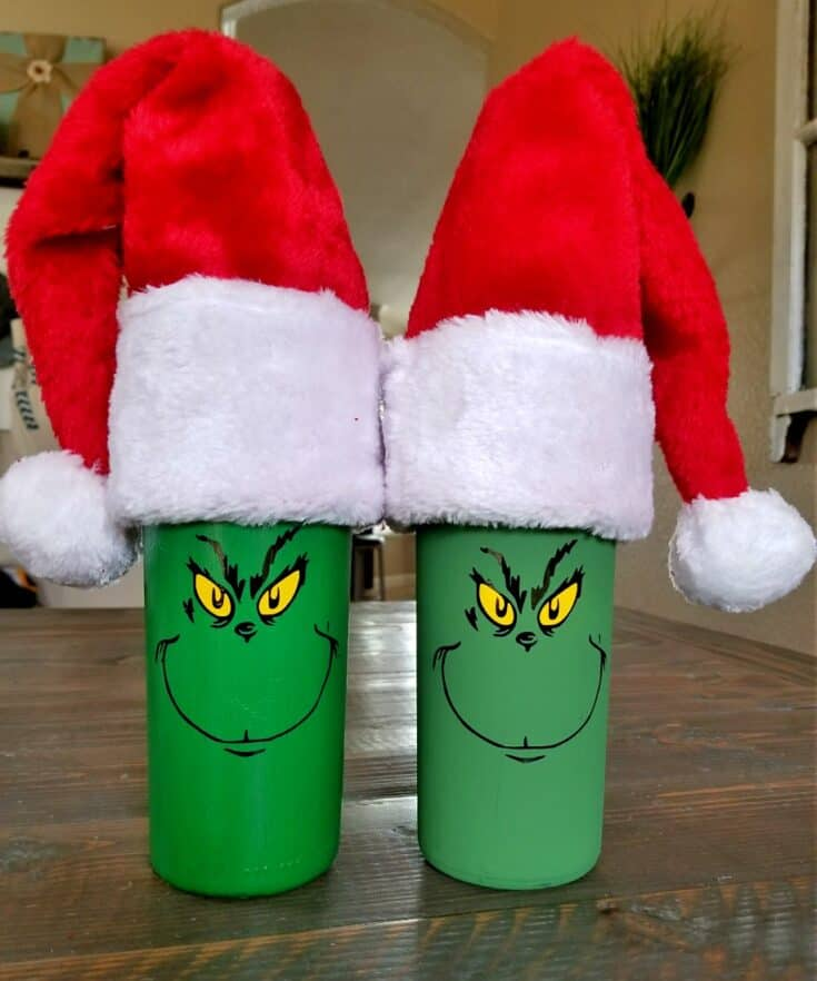 Christmas Wine Bottles Are so Fun and Easy to Make!