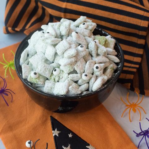 Halloween Puppy Chow Recipe